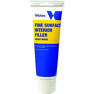 Wickes Fine Surface Ready Mixed Filler 330g