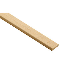 Wickes Light Hardwood D-Shape Moulding 25 x 6 x 2400mm