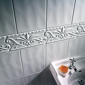 Wickes Florenza White Gloss Ceramic Border Tile 310 x 150mm