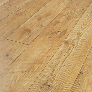 Wickes Sonora Light Chestnut Laminate Flooring