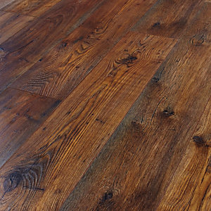 Wickes Fiorentino Chestnut Laminate Flooring