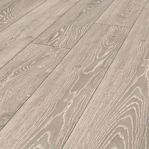 Wickes Shimla Oak Laminate Flooring