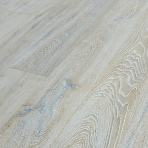 Wickes Colorado Oak Laminate Flooring