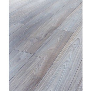 Wickes Sterling Asian Oak Laminate Flooring