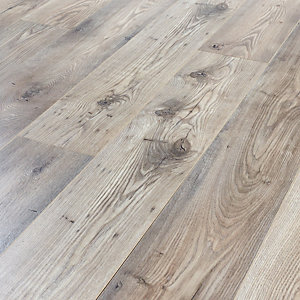 Wickes Rushmore Chestnut Laminate Flooring