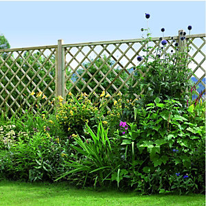 Wickes Diamond Lattice Screening Fence Panel 1.8 x 1.8m