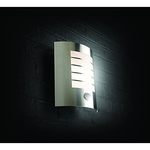 Wickes 60W Oslo PIR Wall Light