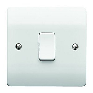 Wickes/Electrical & Lighting/Switches & Sockets/MK K4870RPWHI 10A Light Switch 1 Gang 1 Way