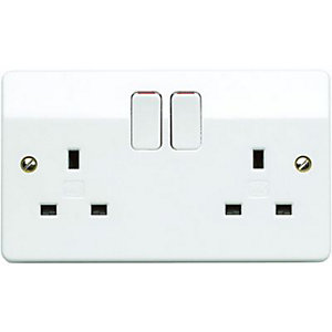 MK 13A Double Pole Switched Double Socket K2747PPK 5 Pack