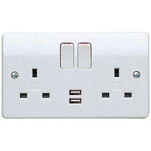 MK Double Switched Socket with Dual USB
