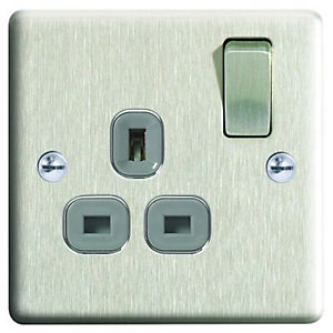 Wickes 13A Switched Socket 1 Gang Brushed Raised Plate