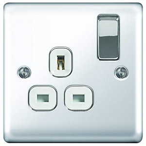 Wickes 13A Switched Socket 1 Gang Polished Chrome Raised Plate