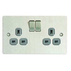 Wickes 13A Switched Socket 2 Gang Brushed Steel Ultra Flat Plate
