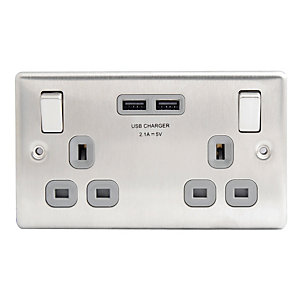 Wickes Brushed Silver 13 Amp 2 Gang Switched Socket with 2 x USB Ports