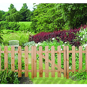 Wickes Arched Palisade Fence Kit 1.8mx0.9m Untreated Timber