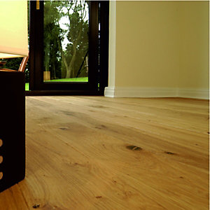 Wickes Burgundy Oak Solid Wood Flooring