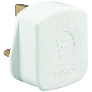 Wickes/Electrical & Lighting/Switches & Sockets/Wickes 13AMP White Rubber Plug