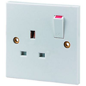 Wickes 13A Switched Socket 1 Gang White 6 Pack