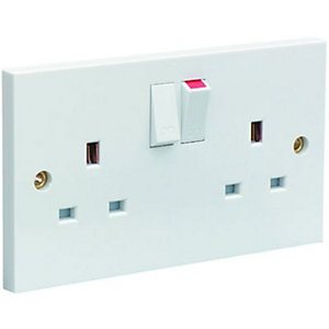 Wickes 13A Switched Socket 2 Gang White 6 Pack
