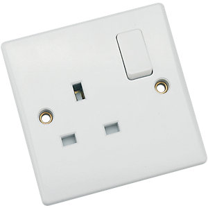 Wickes/Electrical & Lighting/Switches & Sockets/Schneider Ultimate 13AMP Dp Switched Socket 1 Gang