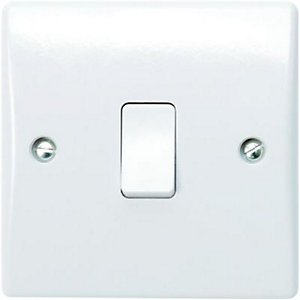 Wickes 10A Light Switch 1 Gang 2 Way White Slimline 6 Pack