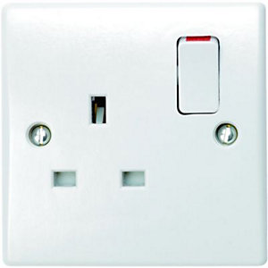 Wickes 13A Switched Socket 1 Gang White Slimline 6 Pack