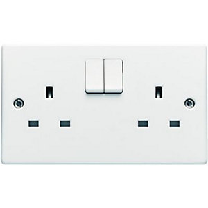 Wickes 13A Switched Socket 2 Gang White Slimline 6 Pack