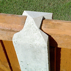 Gee-Co Concrete Slotted Intermediate Fence Post 125mm x 100mm x 2325mm