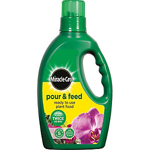 Miracle-gro Pour and Feed 1L