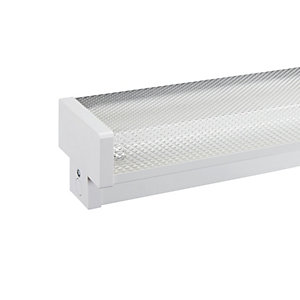 Wickes 5ft 58W High Frequency Twin Fluorescent Fitting & Diffuser