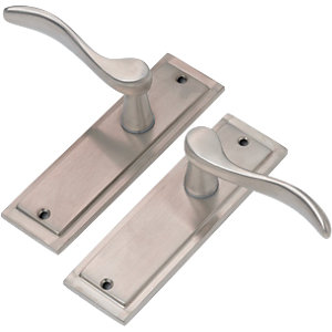 Wickes Bravo Latch Handle Satin Nickel Finish