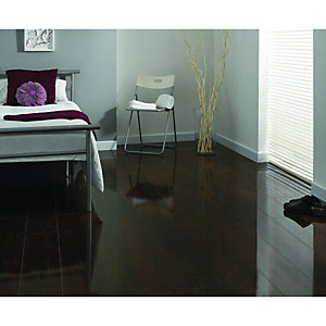 Wickes High Gloss Plateau Maple Laminate Flooring