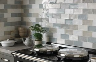 Latest kitchen tiles for Country kitchen splashback ideas