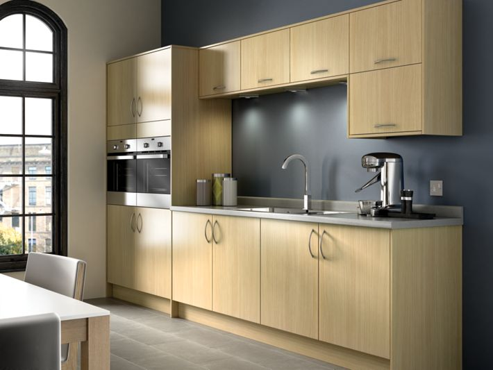 Oakmont oak effect kitchen for Wickes kitchen cupboards
