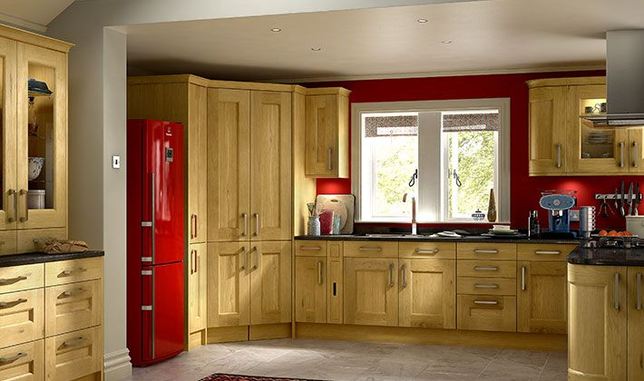 Tiverton oak kitchen for Wickes kitchen cabinets