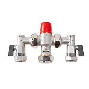 BOSSMix™ TMV315AC Thermostatic Mixing Valve & Strainers Non Return Valves & Isolation Valves Strainers 22mm