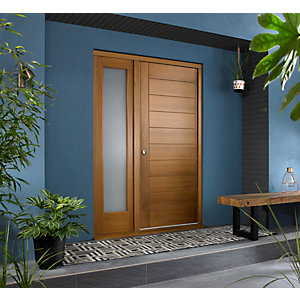 Oslo Ultimate External Oak Front Door with Outer Frame and Single Sidelight 1430mm W x 2079mm H