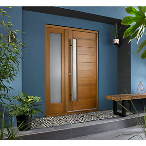 Stockholm Ultimate External Oak Front Door with Outer Frame and Single Sidelight 1430mm W x 2079mm H