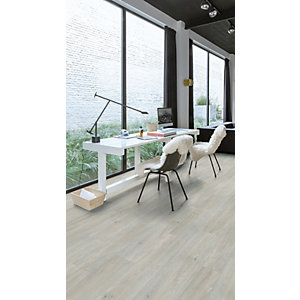 Luxury Vinyl Wood Effect Quick Step Silk Oak Light Flooring