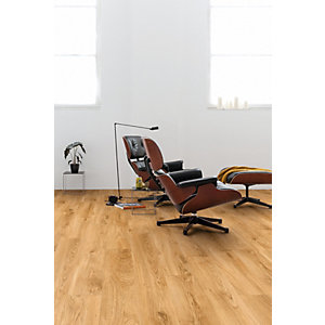 Luxury Vinyl Wood Effect Quick Step Classic Oak Natural Flooring