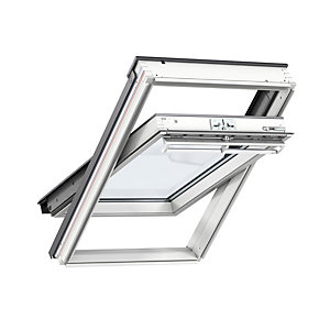 VELUX centre pivot roof window 550 x 980mm white painted GGL CK04 2070
