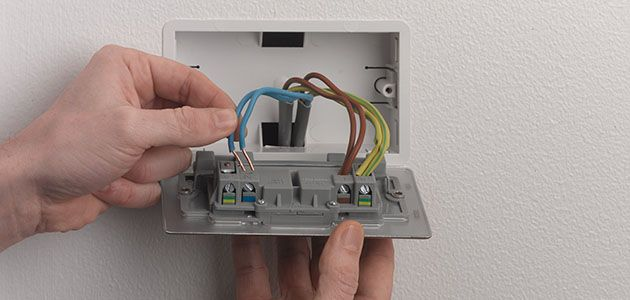 How to Change a Socket | Wickes.co.uk