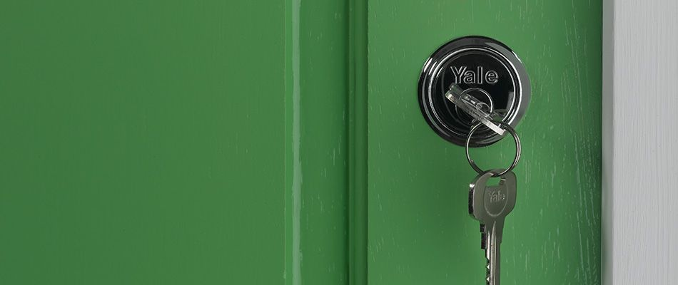 Fit door locks & How to Fit Door Locks | Wickes.co.uk
