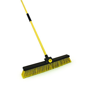 4Trade Heavy Duty Bulldozer Broom With Handle 610mm