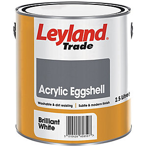 Leyland Trade Acrylic Eggshell Quick Drying Paint Brilliant White 2.5L