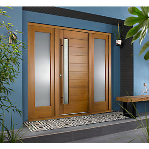 Stockholm External Oak Veneer Door 1981 x 838mm + Oak Frame &â  Side Lights 2 x 24in 610mm L & R