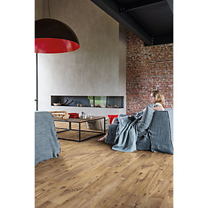 Luxury Vinyl Wood Effect Quick Step Vintage Chestnut Natural Flooring Pack Coverage 2.105m²