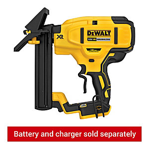 DeWalt 18V Xr Brushless 18gA Flooring Stapler Body Only DCN682N-XJ