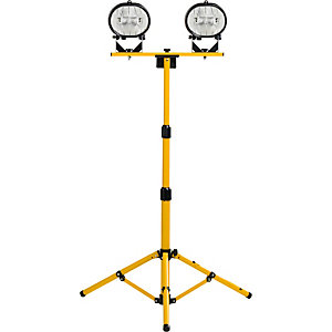 Defender 110V Twin Head Halogen On Adjustable Tripod