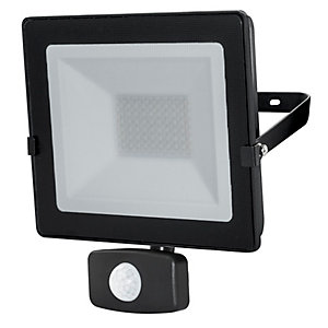 Luceco 20W LED PIR Floodlight Black EFLD20B40P-01